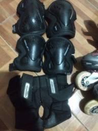 Roller Xseven Abec 7 tamanho 40 + kit joelheira cotoveleira e munhequeira