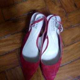 sandália camurça vermelha