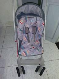 Carrinho de bebê + bebê conforto + 2 bolsas