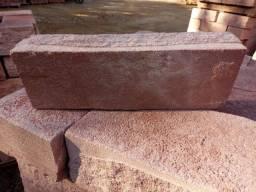 Pedra Grês R$3,50 a unidade