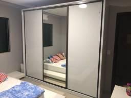 Vendo armário 3 portas 2,5m x 3,0m - MDF