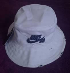 Chapéu bucket Nike branco