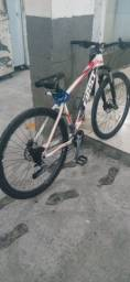 Bicicleta aro 29 first