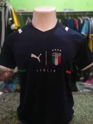 Nova camisa da Itália