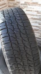 Pneus 215.65.16 Michelin