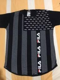 Camisa Long Line preta Fila Tamanho M