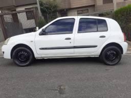 Clio 4P - 1.0 16V - R$9.800,00