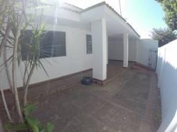 Título do anúncio: Casa em área nobre, bairro das Bandeiras, próx. Praça Olímpica e Av. Saudade em Araçatuba