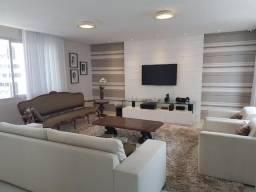 Cobertura na Avenida Boa Viagem com 311 m², 4 suítes e piscina privativa.