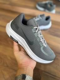 Tênis Nike Zoom Shield