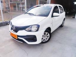 Toyota / Etios Hacht 1.3 X - Completo - único dono - Novo !