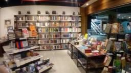 A melhor e maior Livraria e Café de Petrópolis