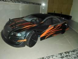 Auto modelo à combustão