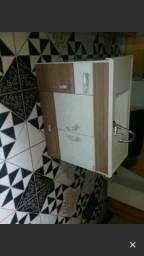 Vendo um armário de banheiro 150