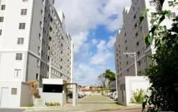 Apartamento 2/4 com suíte e varanda no centro de Lauro de Freitas