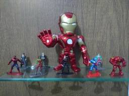 Bonecos de ferro Super Heróis
