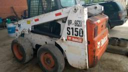 Mini Carregadeira Bobcat S150 ano 2009 com vassoura