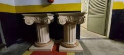 2 bases para mesa em mármore trabalhado.