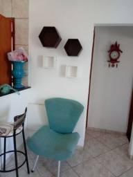 Cadeira decorativa pouco uso