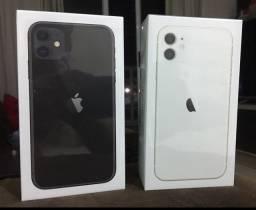 IPHONE 11 128gb branco e preto/ lacrado e com nota fiscal e garantia do fabricante.
