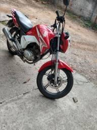 Moto Titan 2015