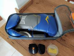 Luva de Boxe/Muay Thai Everlest 14 oz