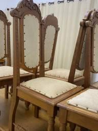 Cadeiras colonial entalhada. (8)