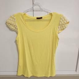Blusa Amarela com Pérolas