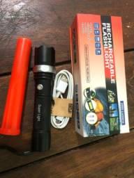 Lanterna dde led (ótima luminosidade baterias recarregáveis)