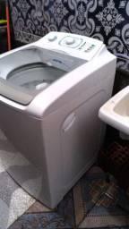 Vendo está máquina de lavar roupa Electrolux de 12 kg entrego