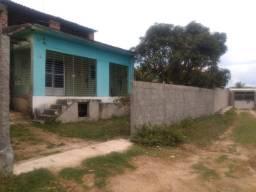 Casa com quintal com primeiro andar inacabado na estrada velha de paulista