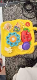 Mesa de atividades infantil