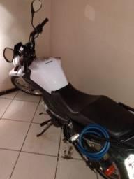 Vende-se moto YBR Factor E 150