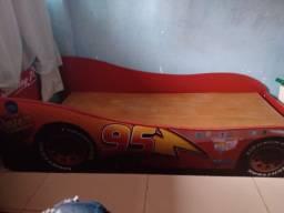 Cama carros infantil 220 reais