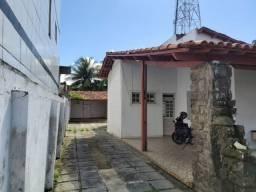Alugo casa na rua Honorato Bonfim próximo a Preserve