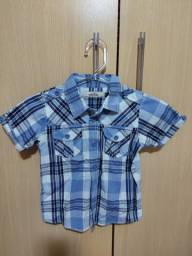 Camisas masculinas - uma tamanho 4 e duas tamanho  6