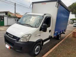 Iveco Dailly Camionete Bau Sider 35S14 Ano 2015