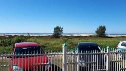 Alugo casa de frente para o mar
