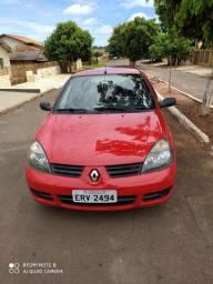 Renault Clio, única Dona ( Particular).