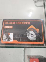 Serra circular Black e Decker 1350w nova