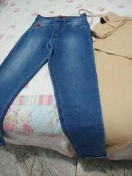 Duas calças por 100 reais