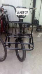 Bicicleta de carga .semi nova