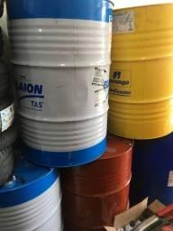 Tonel/ latao de oleo vazio
