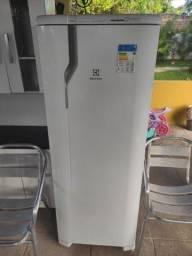 Refrigerador Electrolux RFE39