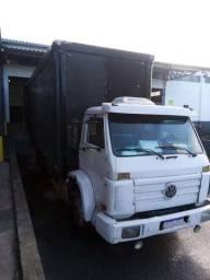 Caminhão Volks 14210
