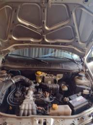 Vendo Siena ano 2000 muito bom carro top  , direção indraulica
