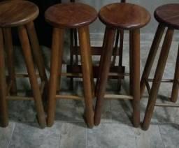 4 Banco de madeira
