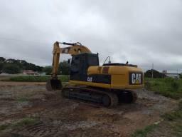 Escavadeira CAT 320D, ano 2011
