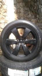 4 rodas com pneus aro 20