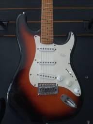 Guitarra washburn strato na Plugmusic Petrolândia Contagem